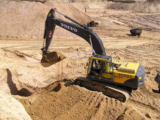 Карьерный песок, доставка по Новосибирску